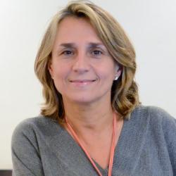 Dña Paloma Mingoarranz López